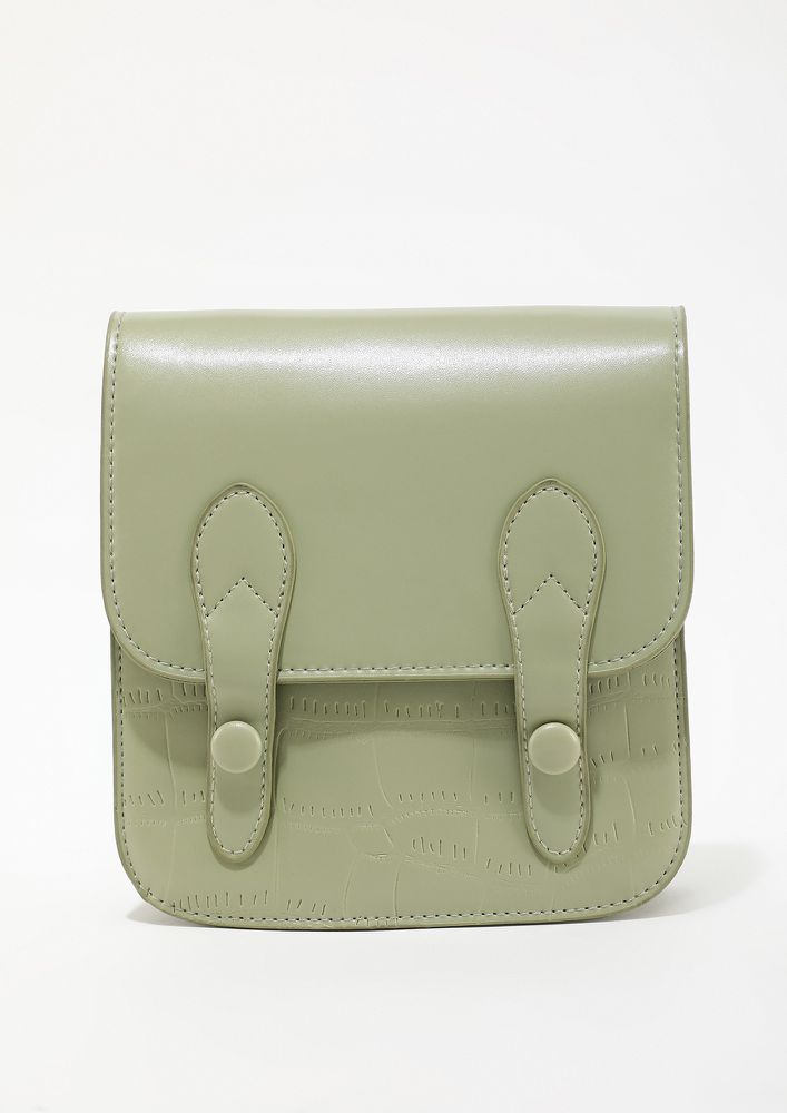 DOUBLE THE BUCKLE AROUND GREEN SLING BAG