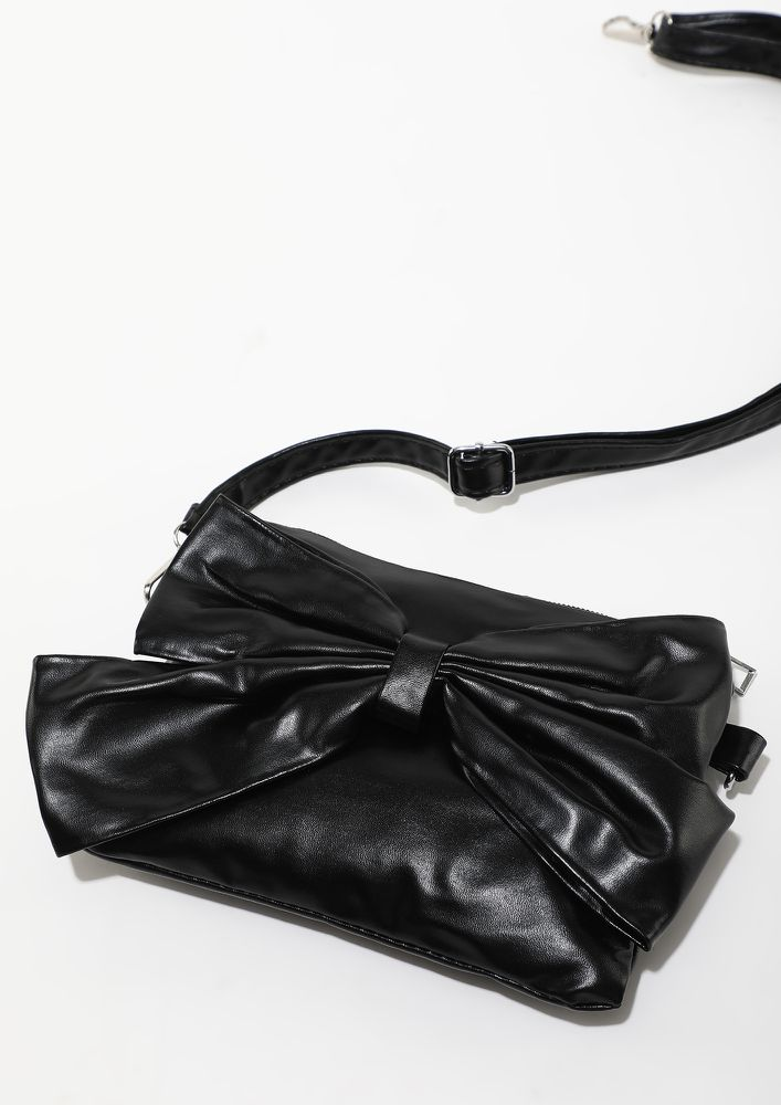 BOW DOWN TO THE CUTENESS BLACK SLING BAG