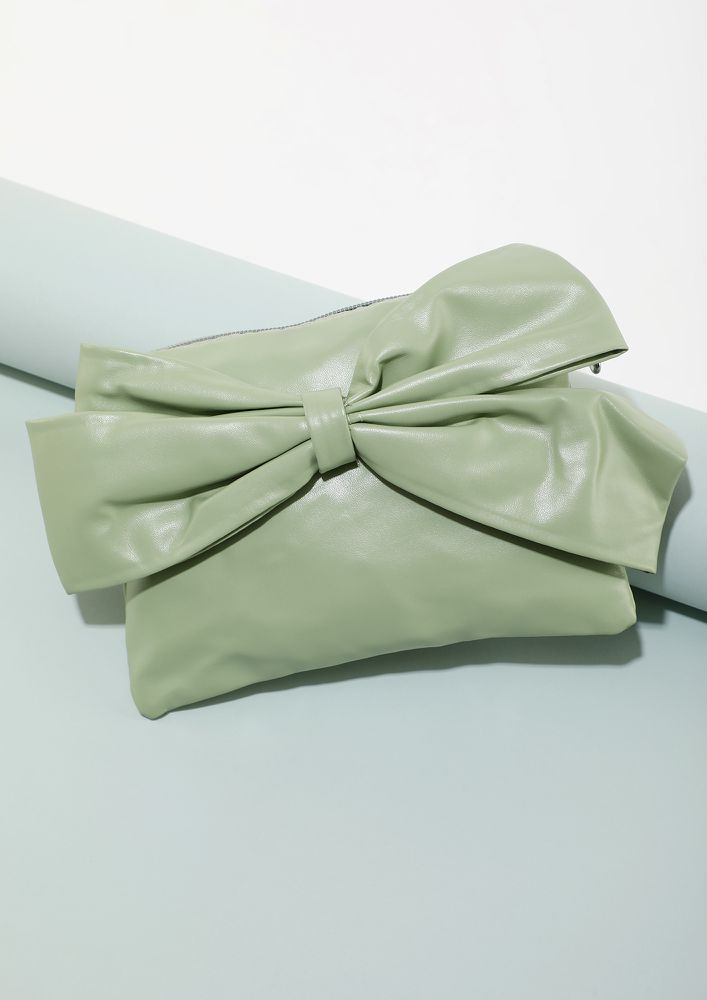 BOW DOWN TO THE CUTENESS GREEN SLING BAG