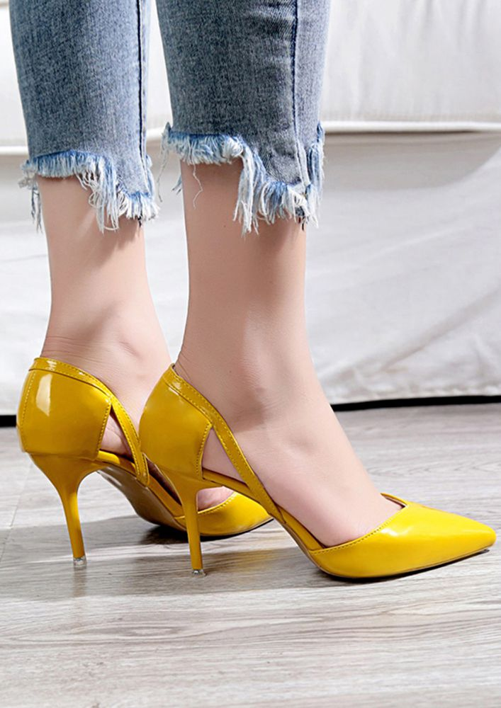 GET TO THE POINTY YELLOW PUMPS