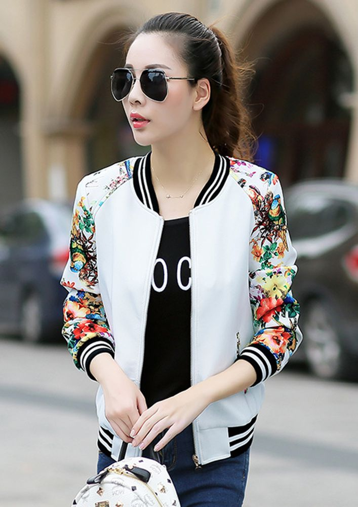 WHAT'S UP GURL PRINT WHITE JACKET