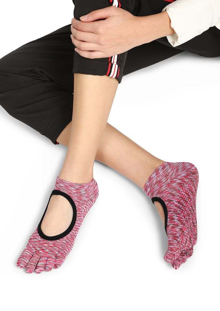 CUT IT OUT PINK ANKLE SOCKS