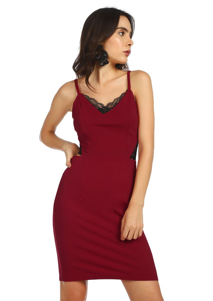 DRESSING GAME ON RED BODYCON DRESS