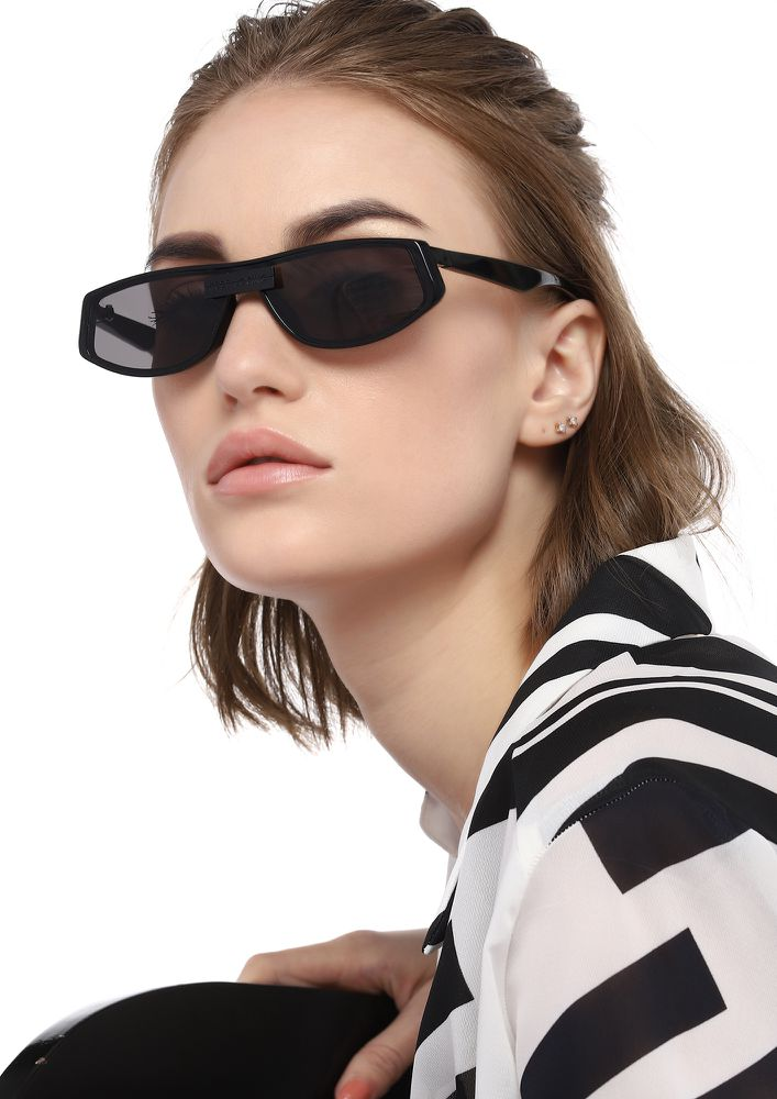 SETTING TRENDS BLACK SUNGLASSES