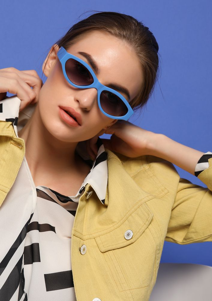 MAXIMIZING GLAM DOSES BLUE RETRO SUNGLASSES