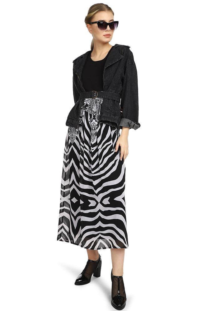MAKE MY HEART WANDER BLACK MAXI DRESS