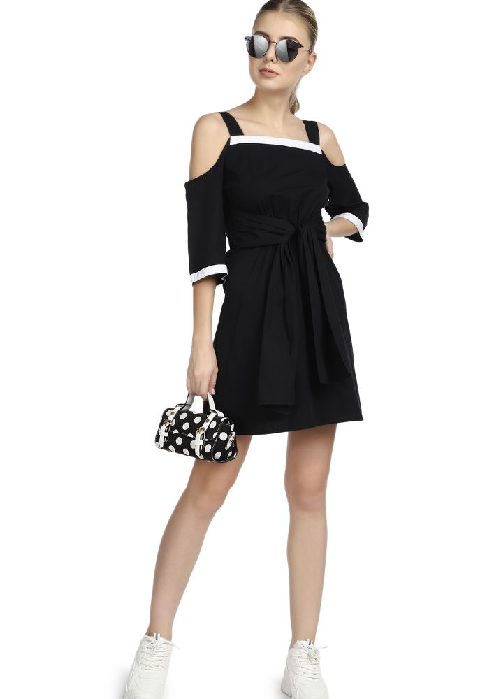 KNOT READY BLACK SHIFT DRESS