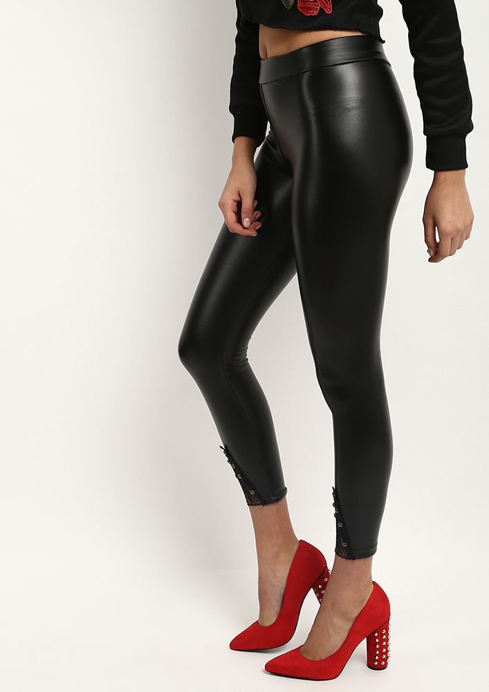 Detailed Cropped Leather Pants