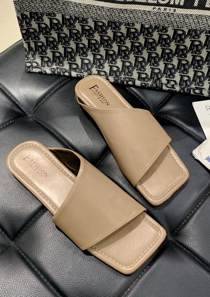 SIDE TO SIDE BROWN FLAT SANDALS