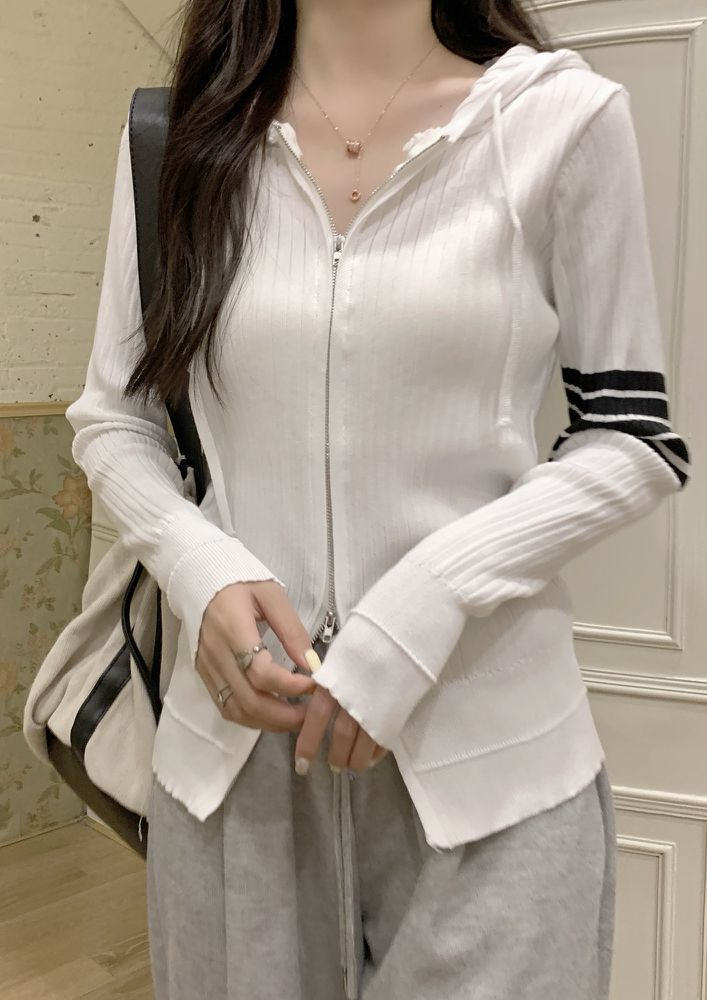 EARLY AUTUMN HOODED WHITE CARDIGAN