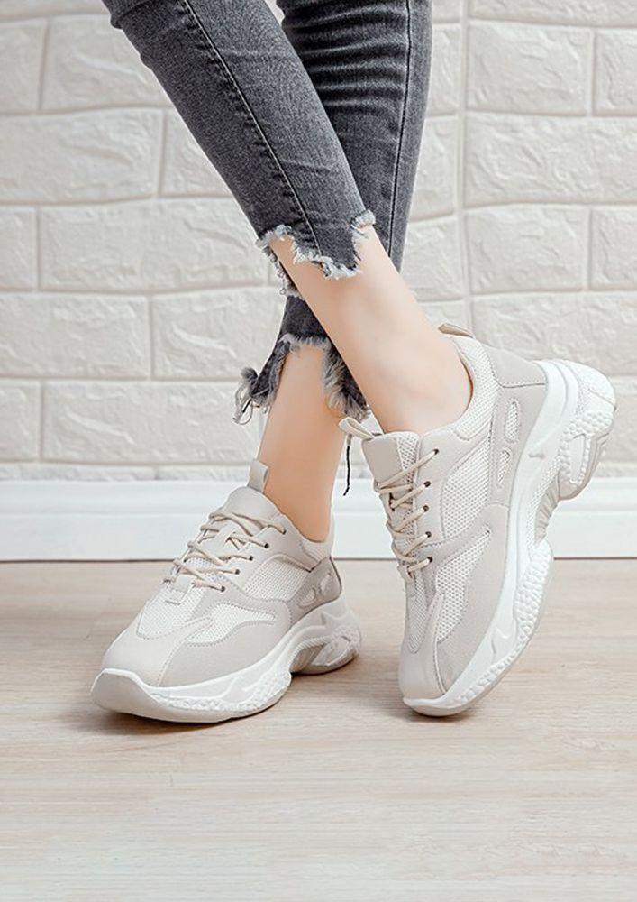 LIVING THE LIFE BEIGE TRAINERS